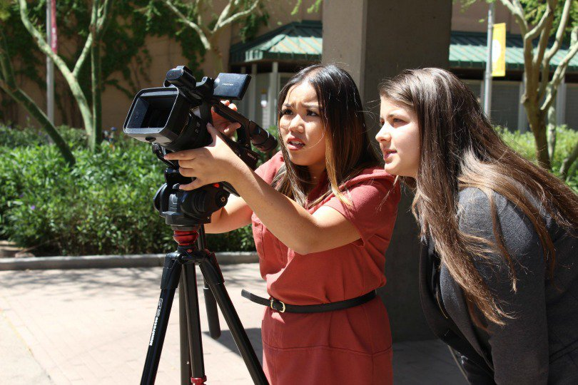Students participating in the @DJNF digital journalism program at the Cronkite School are wrapping up their final days of training before heading to internships across the U.S. https://t.co/JeFOV0P83v #djnfASU19 https://t.co/5bQQD37nZz