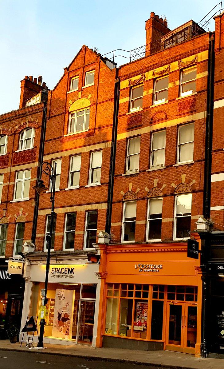 Some lovely light this morning in  #Hampstead   #CityLife  #London https://t.co/XYRMQoKgOr