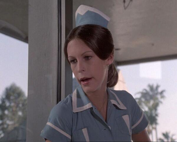 An 18 year old #JamieLeeCurtis as she appeared on the #Columbo episode, &quot;The Bye-Bye Sky High I.Q. Murder Case&quot;, airing on this date in 1977.<br>http://pic.twitter.com/IGoA0ZvrJ8