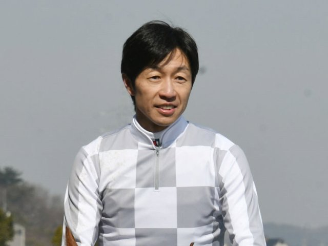 武豊騎手が、フランスオークスに初参戦する。パートナーを組むのは2戦2勝のアマレナ(牝3)。フランスの小林智厩舎の所属、JRA馬主でもあるキーファーズの所有馬。前走はロンシャン競馬場で行われたリステッド競走を勝利し、デビューから連勝を果たした。同馬はすでに凱旋門賞の一次登録を済ませている。