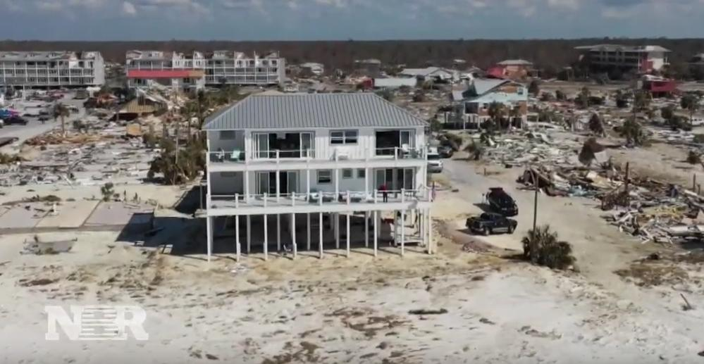 In October 2018, Category 5 Hurricane Michael ripped through a small beach town in Florida, but there was 1 home that was left relatively unscathed in the aftermath and it's making an impression on homeowners and builders. Diana Olick reports. @DianaOlick  https:// bit.ly/2wf0icO  &nbsp;  <br>http://pic.twitter.com/Jy19E4iTOF