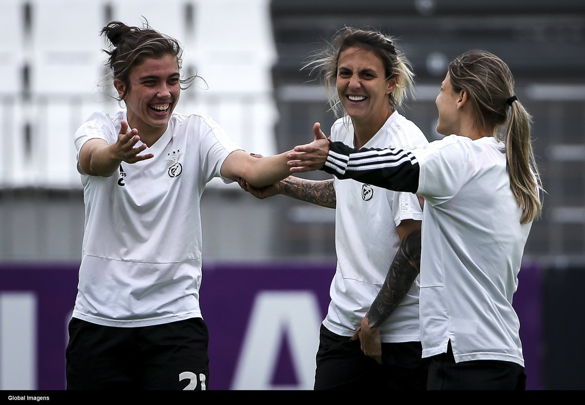 Benfica's Women in the league this season 😳  👍 22 games played ✅ 22 games won ⚽ 311 goals scored 👎 1 goal conceded 👏 Biggest victory 32-0  👇 Smallest victory 5-1 😂  Unbelievable 🔥