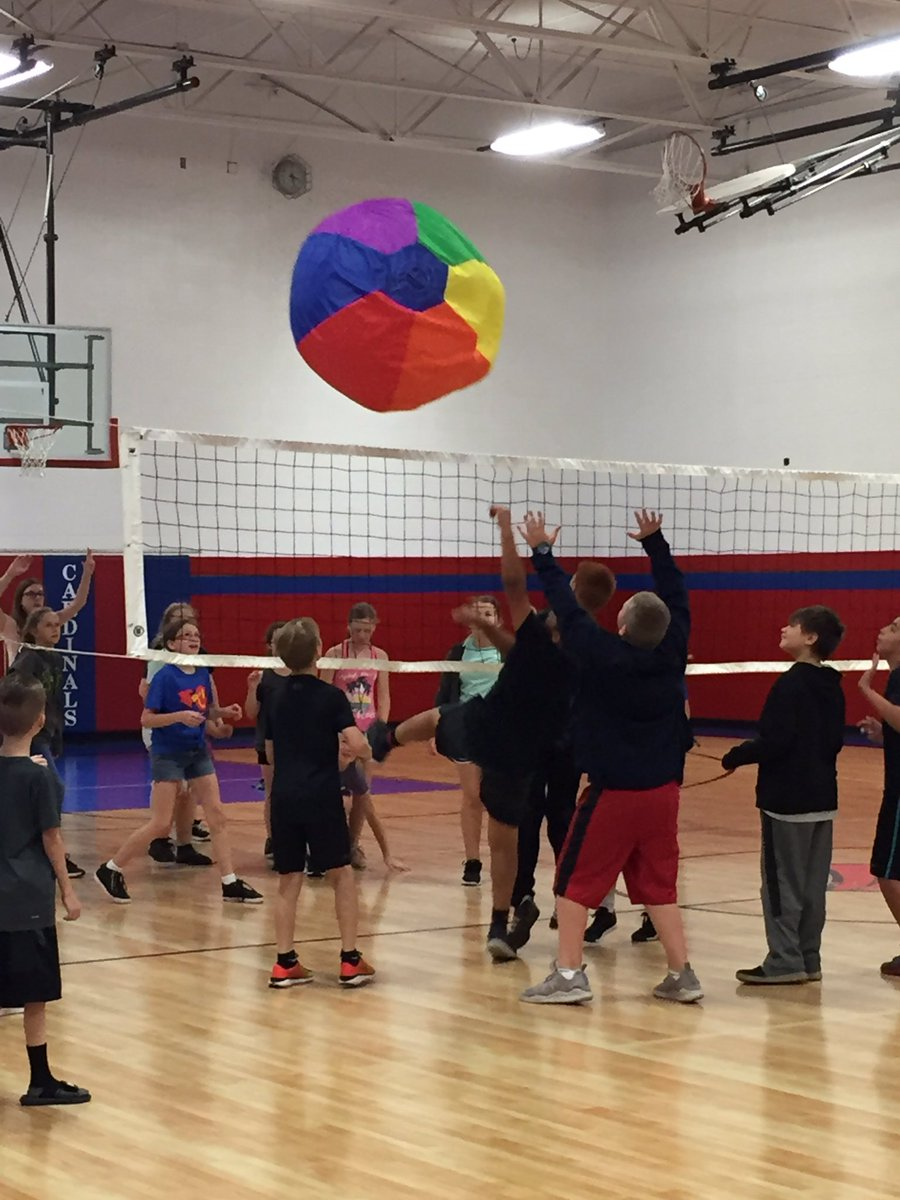 Having fun with the BIG ball today! @CIScards345 @ClintonMoCards