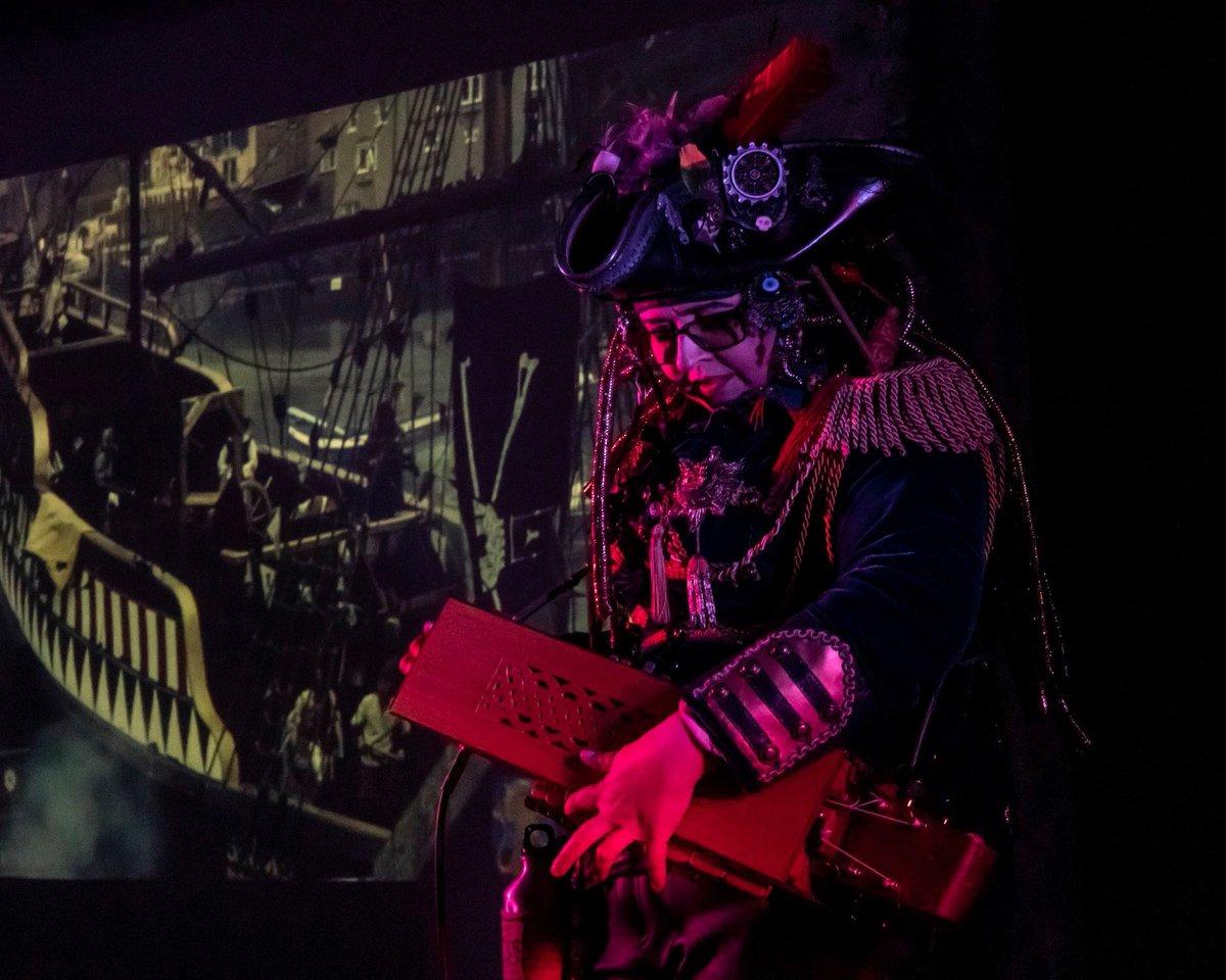 Fantastic shot by the amazing ©️Charlie Jobson at Raising Steam Festival, raising money for New Futures Nepal #charity #steampunk #pirate #raisingsteam #gig #musicevent #hurdygurdy #musician #folktronica #newfuturesnepal #worcester #independantartist
