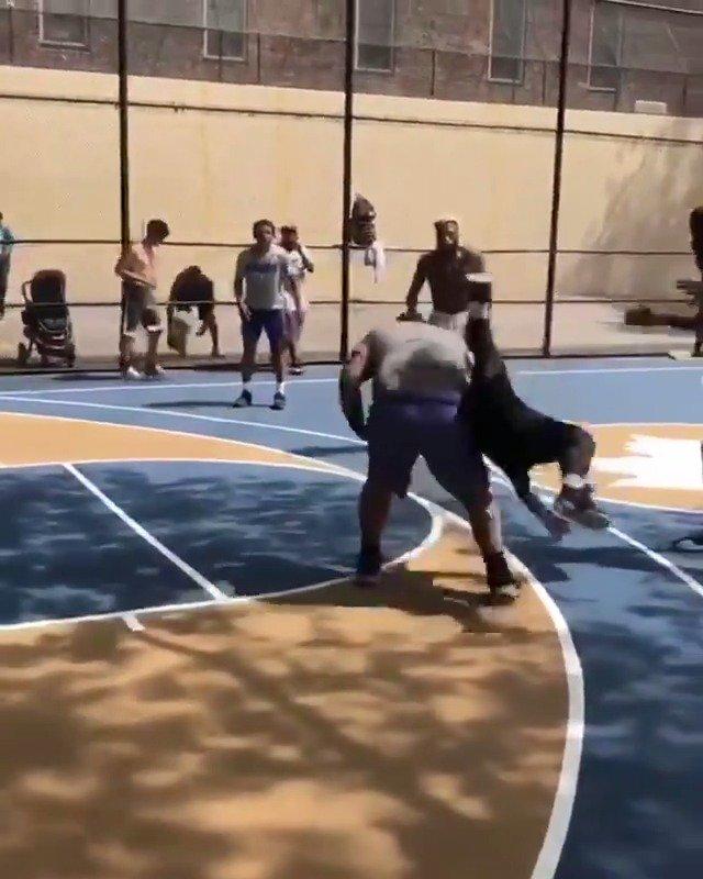 NYC basketball is different  (via @NuevaYorkNico)