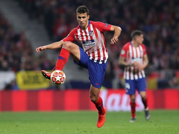 Atletico Madrid midfielder Rodri is Bayern's priority this summer. Manchester City, Barcelona and Real Madrid are also interested in the player who has a €70m release clause in his contract. [Kicker]