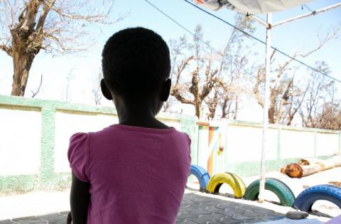More than 2 months after #CycloneIdai hit #Mozambique, at least 400 children still separated from parents as an effect from the storm, according to a new assessment by @SavetheChildren http://bit.ly/2YI8C0S