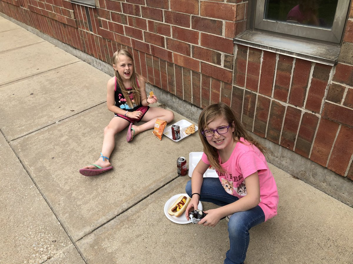 Ms. Bracher, Mrs. Gardner, Mrs. Patrick, Mrs. Engeman, Mrs. Wareham, and Mrs. Simon treated their AR Goal achievers to a picnic  with hotdogs and chips! Then a bonus recess! #TeamCIS #CardinalPride #CardinalReaders