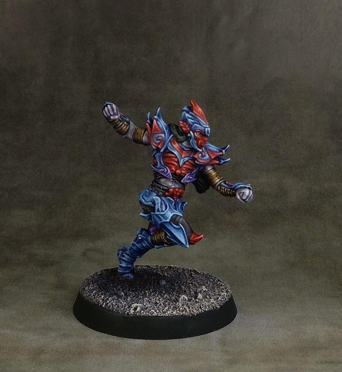 Another Obsidian Dusk Blitzer @GreeboGames #bloodbowl #miniaturepainting