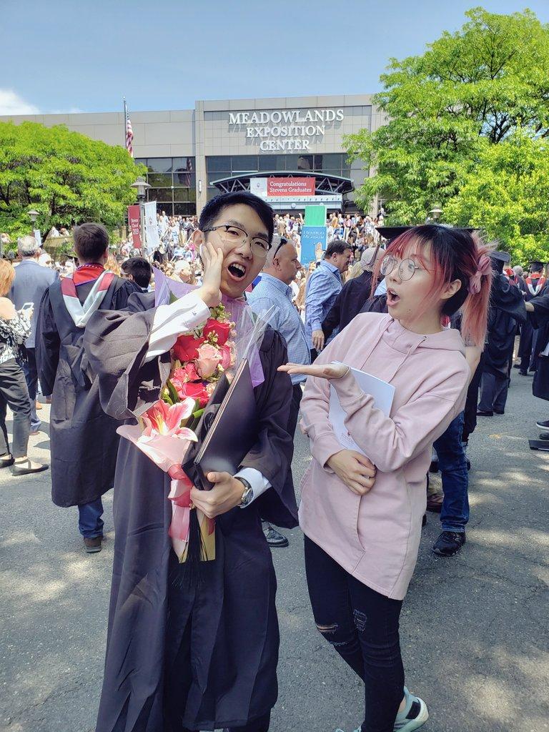 my brother coleg graduat!!!1 grats Daniel 🤩❤