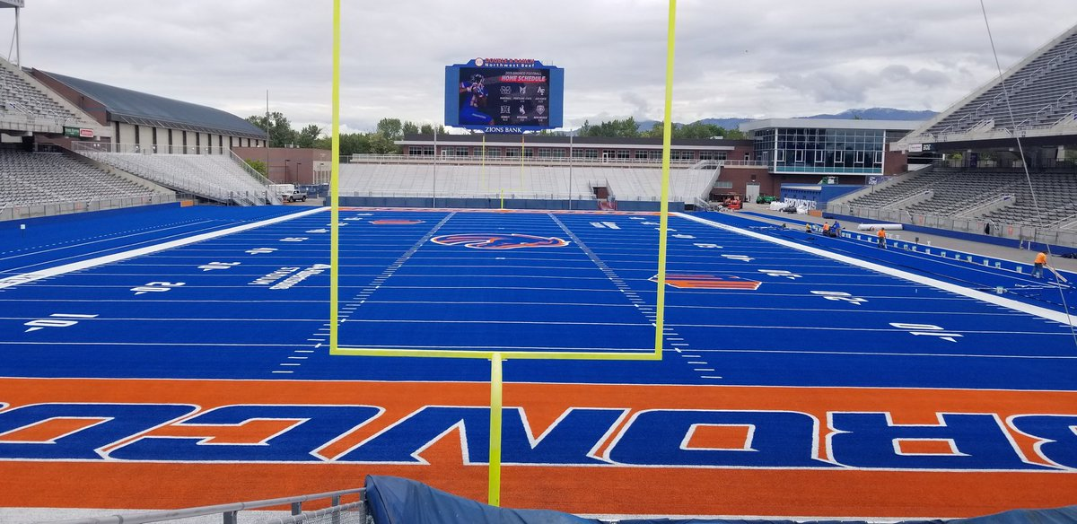The Blue has never looked so good! #BleedBlue #BoiseState <br>http://pic.twitter.com/qsRwt386dz