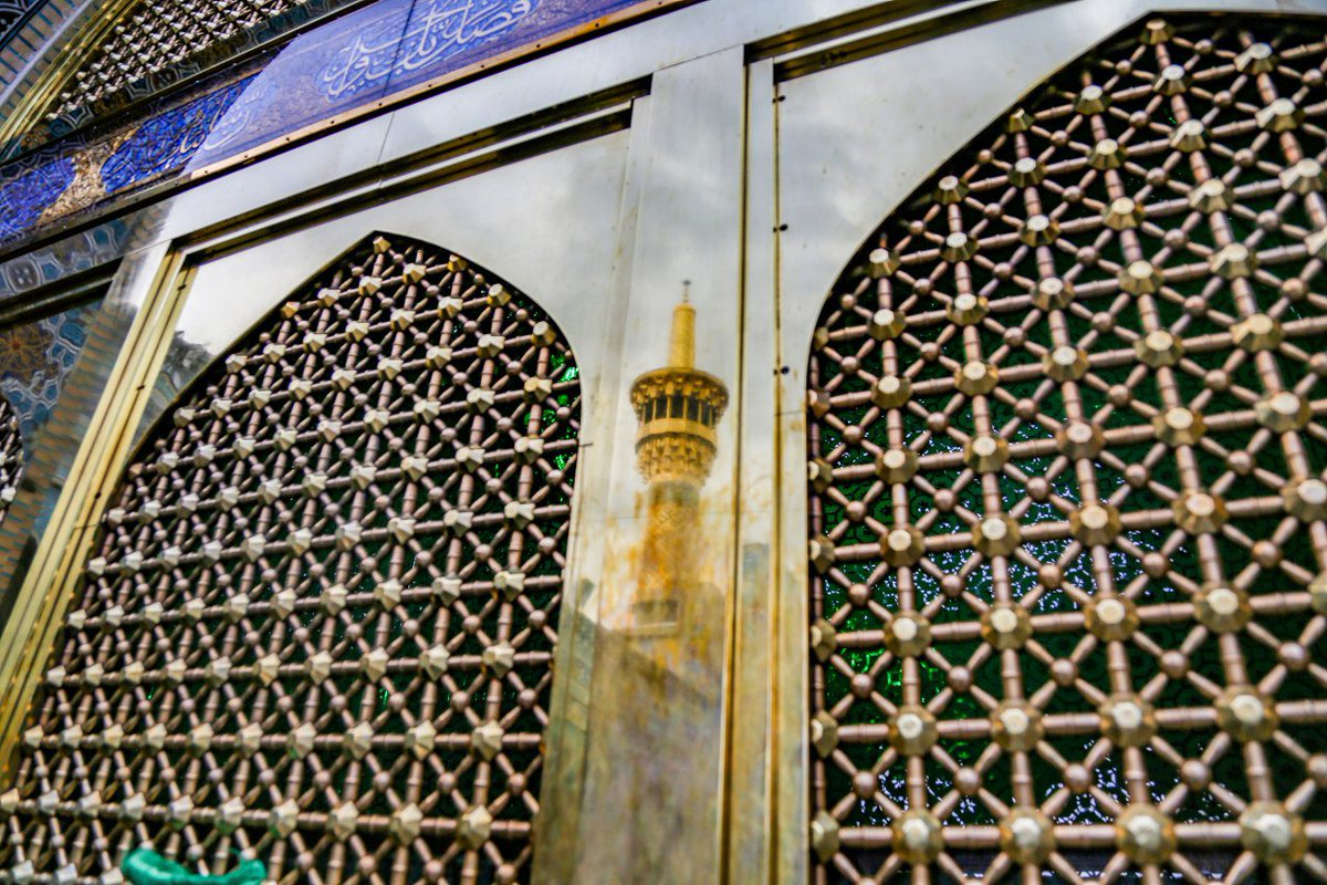 Talk to Imam. Imam Reza knows, and that&#39;s all...  #WednesdayWisdom <br>http://pic.twitter.com/vkSwXltQFO