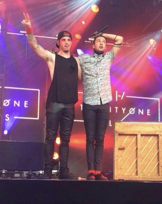 Tyler &amp; Josh on Jimmy Kimmel 4 years ago today! <br>http://pic.twitter.com/EgS69XFS79