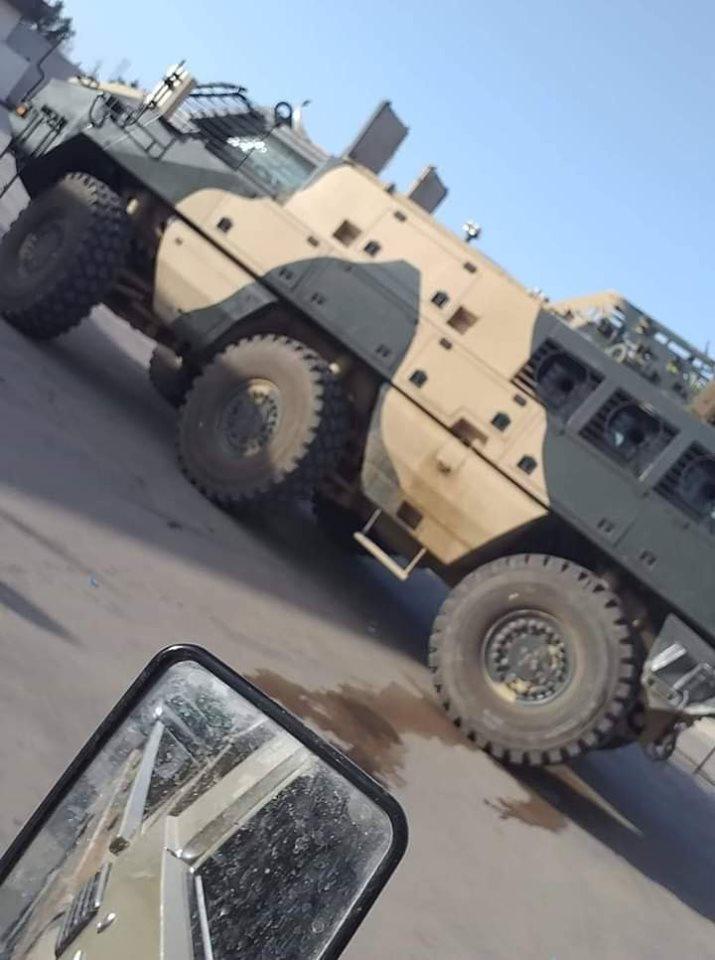 ظهور مدرعات الاردنية المارد 8x8 و المومباي 6x6 و الوحش 4x4 في ليبيا D7MOq8pXYAArTsU
