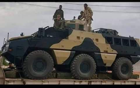 ظهور مدرعات الاردنية المارد 8x8 و المومباي 6x6 و الوحش 4x4 في ليبيا D7MOqn6W0AAj-iS
