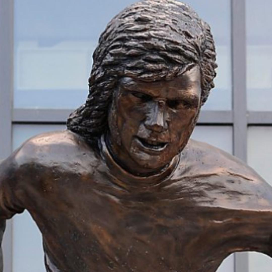 The latest footballer statue!This time it's George Best...