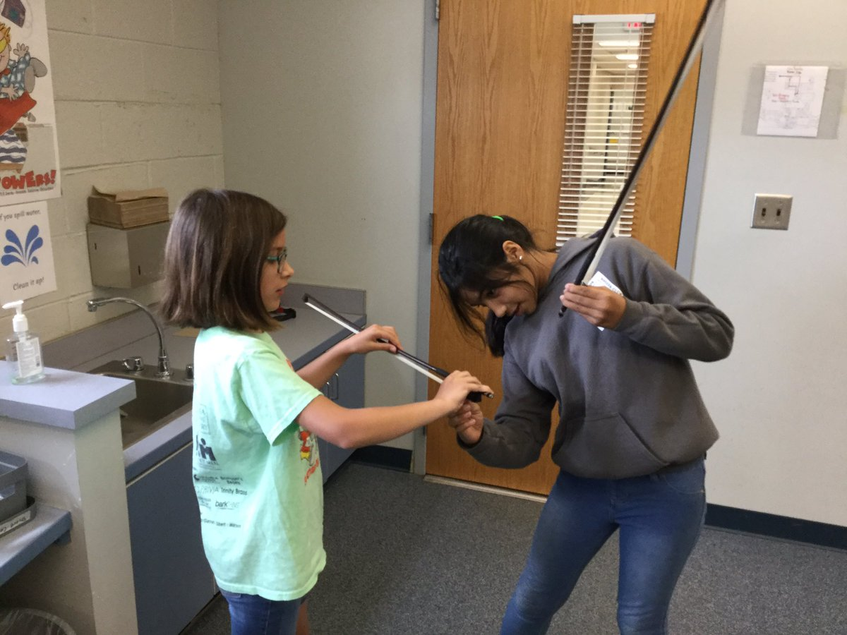 "4th grade string students review proper bow hold by playing ""Mr. Fix-It"" with a partner! They are such great teacher/fixers 😊🎶🎻 <a target='_blank' href='http://search.twitter.com/search?q=ATSLearns'><a target='_blank' href='https://twitter.com/hashtag/ATSLearns?src=hash'>#ATSLearns</a></a> <a target='_blank' href='http://search.twitter.com/search?q=InMusicClass'><a target='_blank' href='https://twitter.com/hashtag/InMusicClass?src=hash'>#InMusicClass</a></a> <a target='_blank' href='https://t.co/35k6TAlPmo'>https://t.co/35k6TAlPmo</a>"