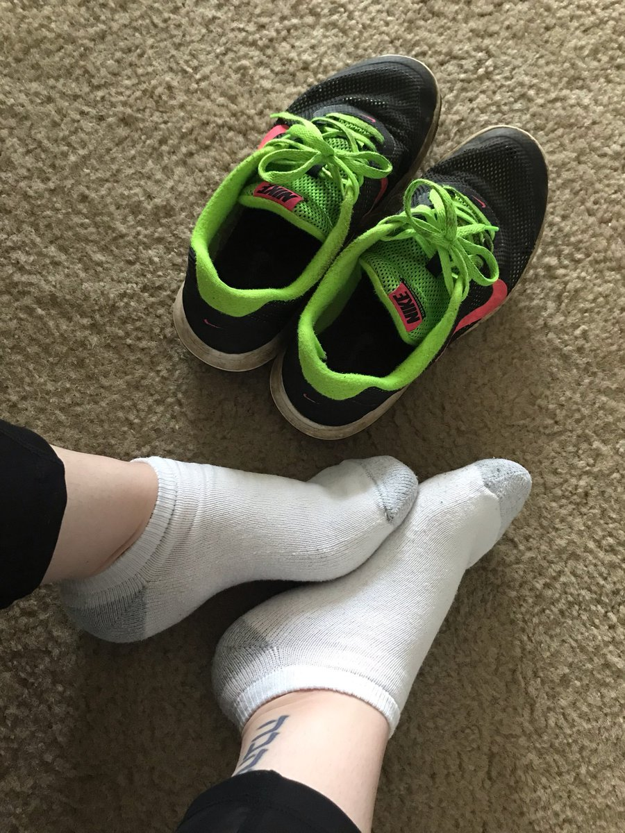 These are the feet of my Goddess @evilevaa I love these feet, I love my Goddess.#socks #feet #addictedtoEva