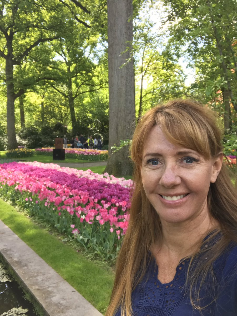 Headed to Vancouver Canada hoping we can see some beautiful gardens & little sunshine would be great. Put Amsterdam on your bucket list for early spring next year to see the gardens in the Netherlands. #canada #victoriacanada #vancouver #vancouverbc #tulips #garden #Amsterdam