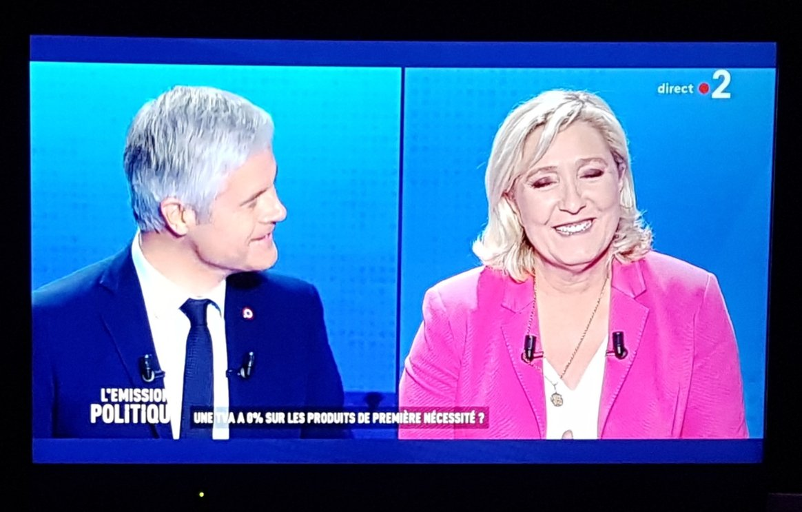 Dumb and Dumber #LEmissionPolitique <br>http://pic.twitter.com/I9AyiXkgax