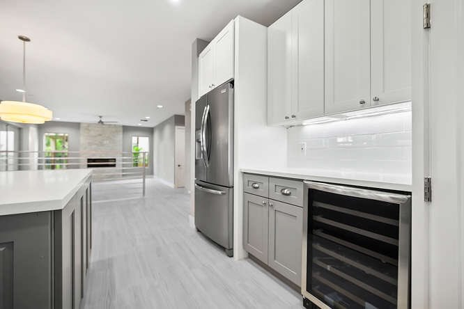 More pictures from our beautifully renovated property at 11101 Misty Ridge Way, Boynton Beach - too many to choose - come see for yourself @RGleichenhaus #Construction #renovations #Remodeling #KitchenRemodel #bathroomdesign #ForSale  https://t.co/LpSB6S9yT3
