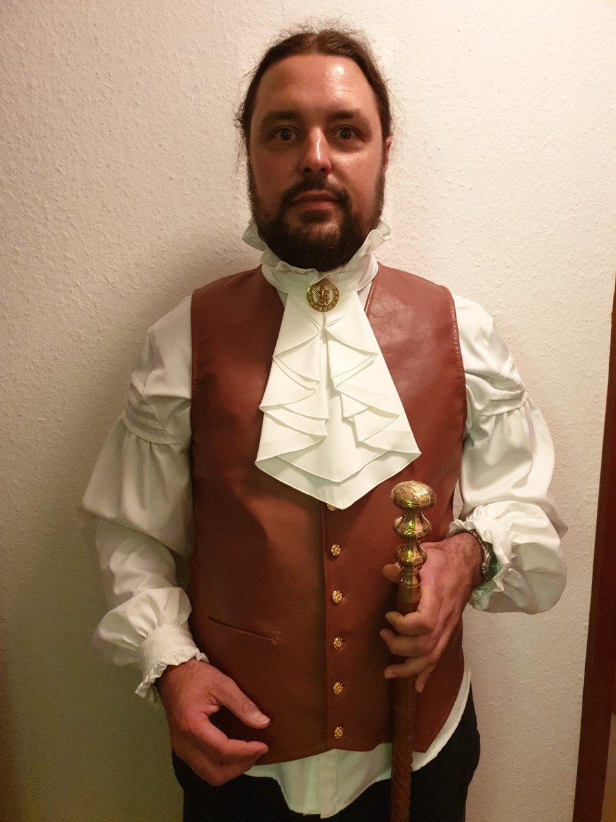 Jau. Läuft mit dem neuen Kostüm. Jetzt fehlt nur noch der passende Zylinder dazu... #Steampunk