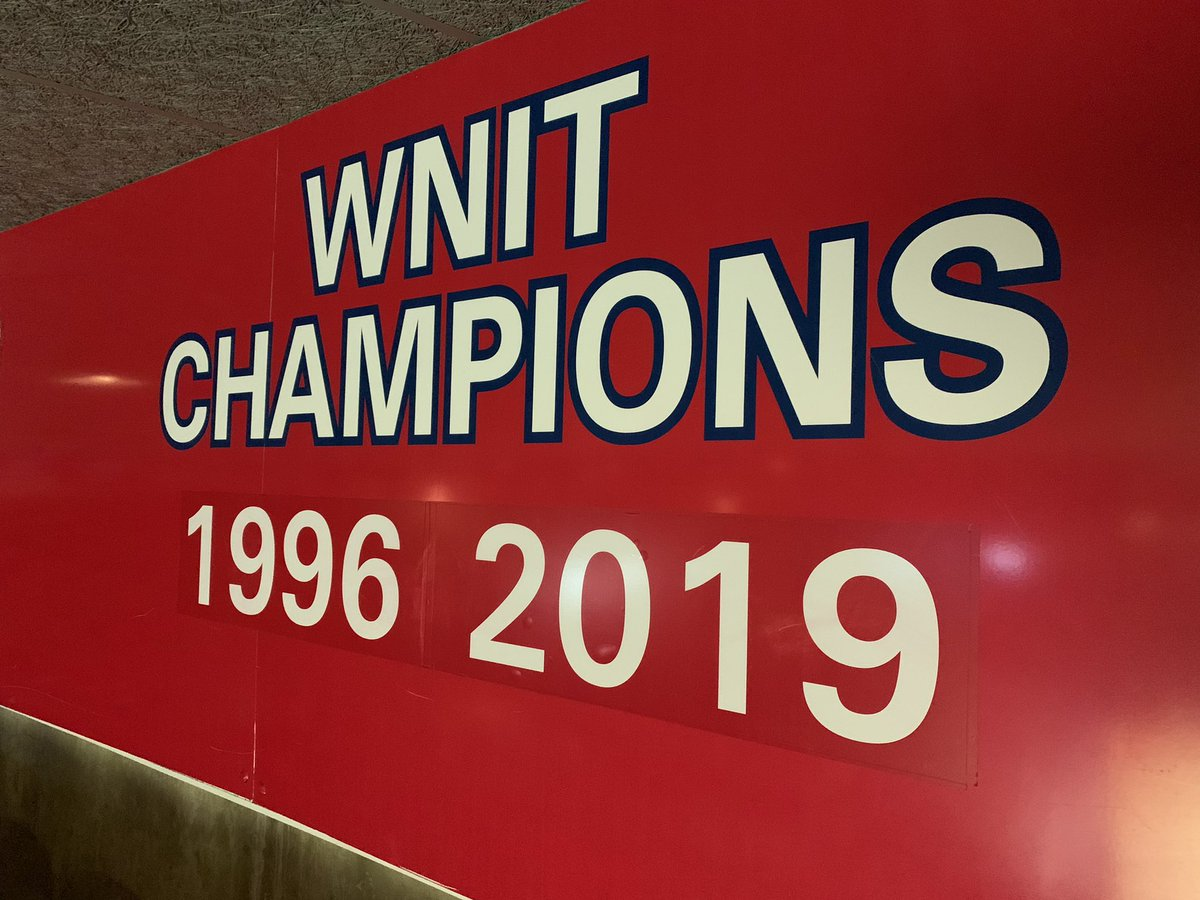 That's a nice addition to the walls of McKale   #MadeForIt | #BearDown <br>http://pic.twitter.com/j98NzVmzoF