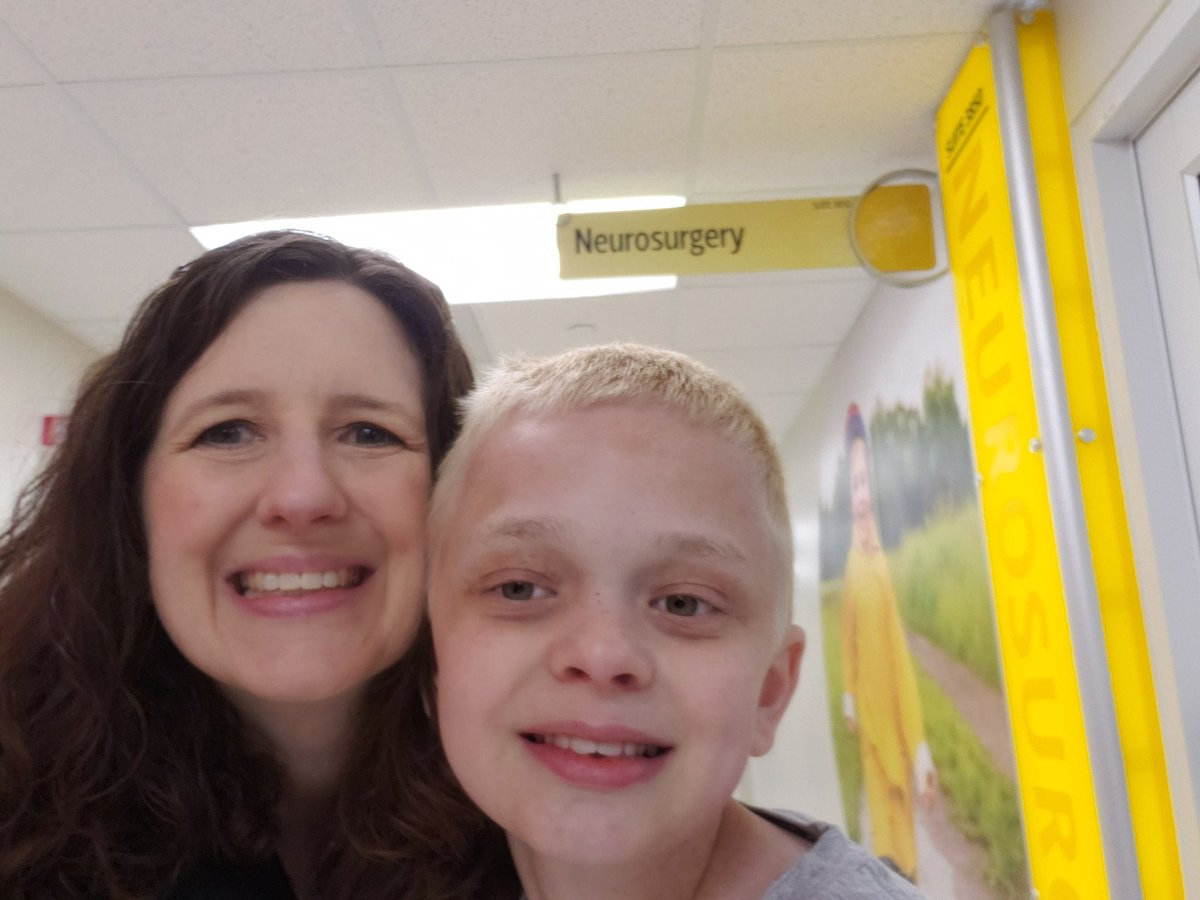 Neurosurgeon added to T&#39;s team today. Sometime in ~8 years between brain MRIs, a cyst formed. Not causing issues, only found in natural history study. Not the first time we&#39;ve heard, we don&#39;t typically see that. #imwithTravis #EndNF #ikNowaFighter #gobigorgohome <br>http://pic.twitter.com/L4QFpYAaoe