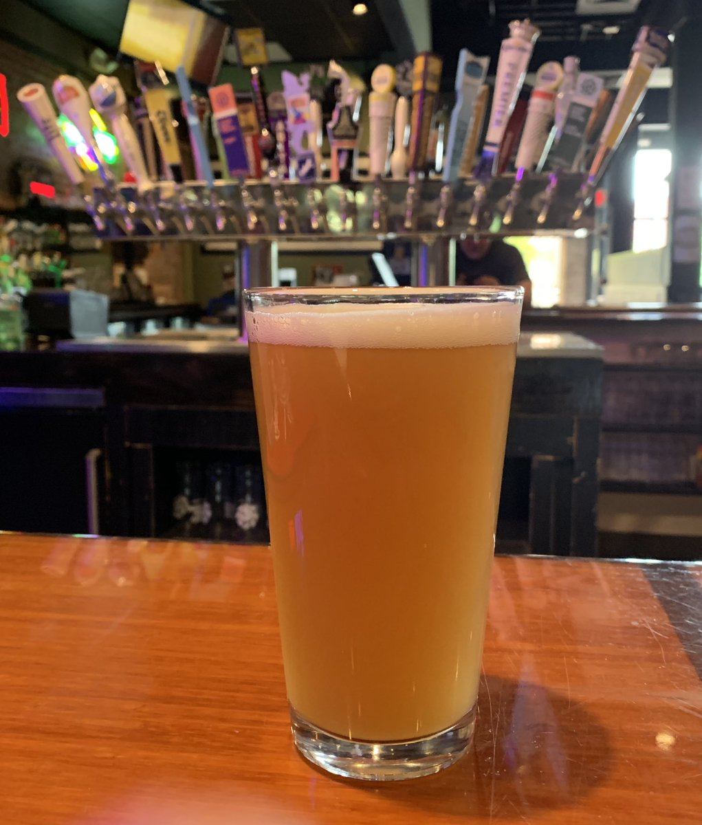 Mid-week bar stop at Henry Hudson's Public House in Bricktown! They are the first bar to tap Liberty Call! This pineapple jalapeño hefeweizen is the perfect beer for this hot, humid Oklahoma day.  #libertycall #newbeerontap #bricktownokc #pineapplejalapeno #hefeweizen<br>http://pic.twitter.com/XyUOSEV9sv