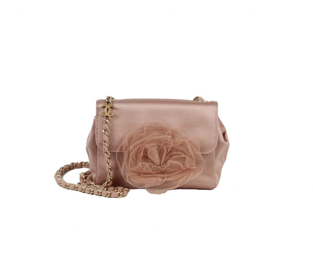 CHANEL - Pandora Price: £999 #chanel #pandoradressagency #fashion #london https://www.pandoradressagency.com/shop/chanel-25/