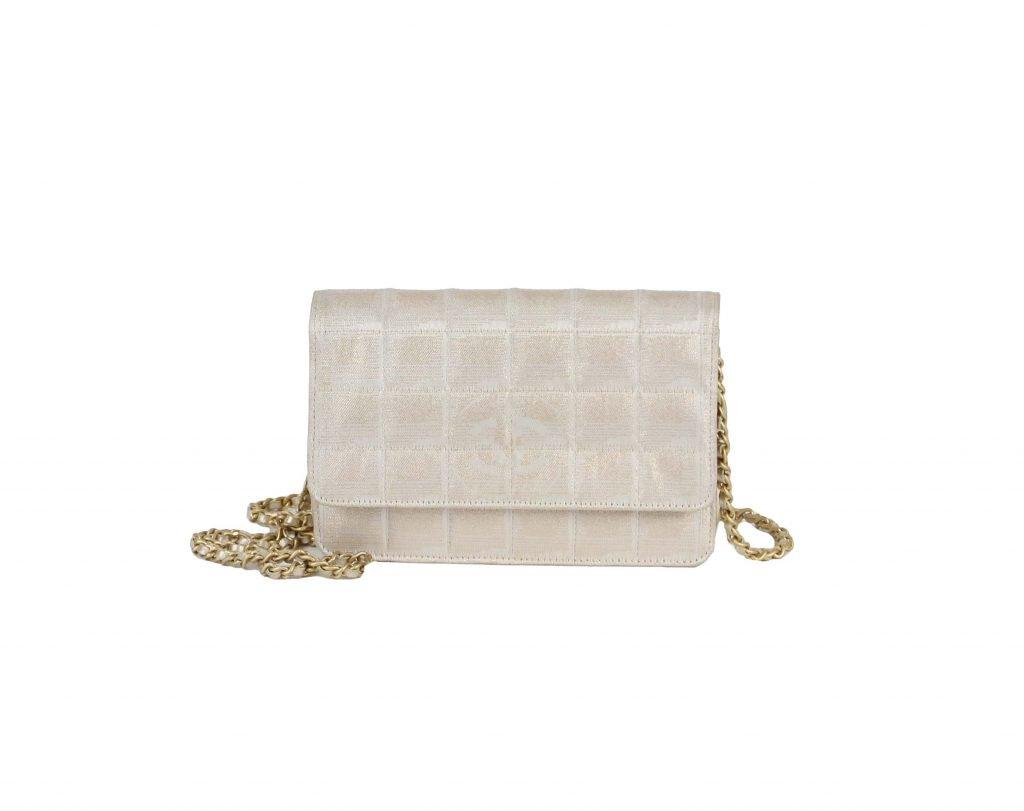 CHANEL - Pandora Price: £1250 #chanel #pandoradressagency #fashion #london https://www.pandoradressagency.com/shop/chanel-26/