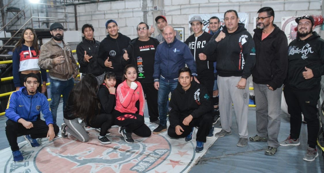 Hoy visitamos a los amigos de Fortaleza Gym y mantuvimos un cálido encuentro con vecinos del Barrio Galina. Entre todos vamos a seguir creciendo #MadrynAlFrente #ChubutAlFrente