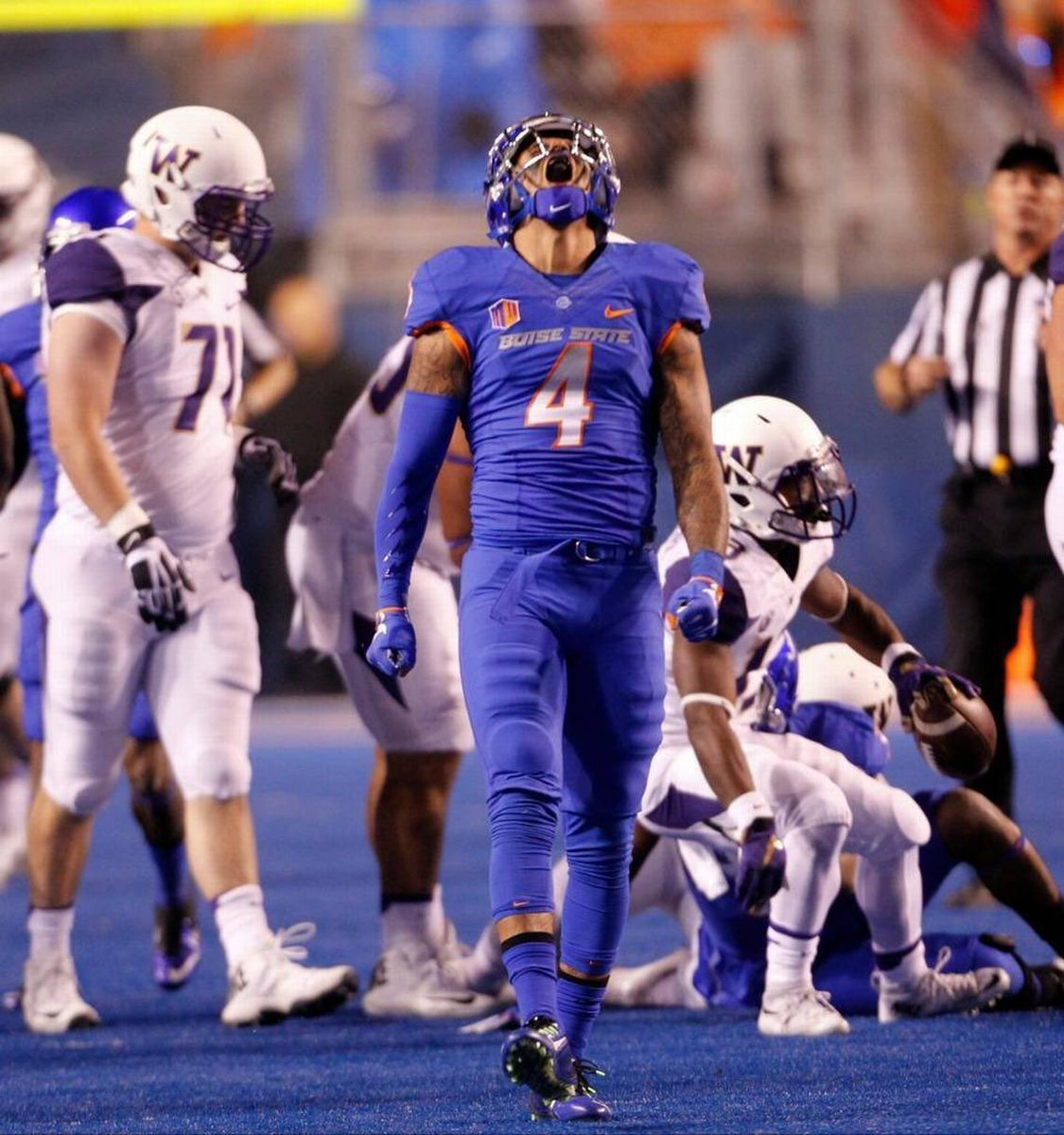 I am beyond bless and excited to announce ! I have received an offer from Boise State !!! #BleedBlue <br>http://pic.twitter.com/j68yJ6G6Yv