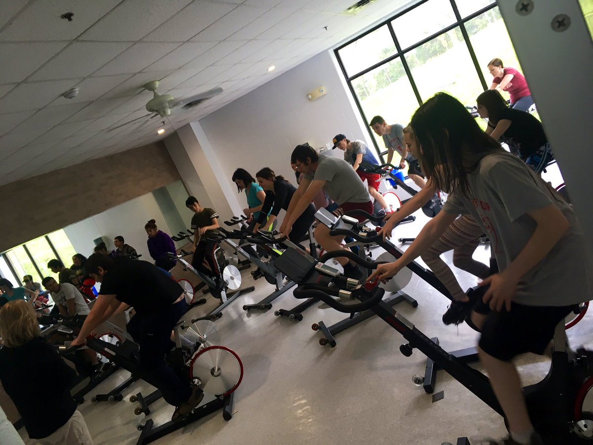 @KWAwesome small world! @prittinger your brother was our @YMCA_Canada #spin instructor today for @ONEKCI ACE students! Everyone wants to say &quot;Hi!&quot; to everyone! With @msspaulding #studentwellness @ONTSpecialNeeds @wrdsb<br>http://pic.twitter.com/fpm8wjOU7I