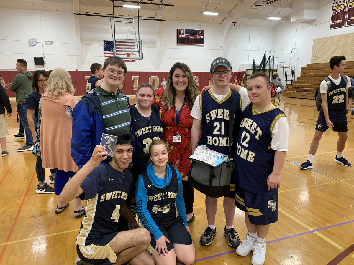 I like basketball. I LOVE Unified Basketball and the joy I get from cheering for some of Sweet Home's Best. @SHCSDAthletics @SweetHomeCSD