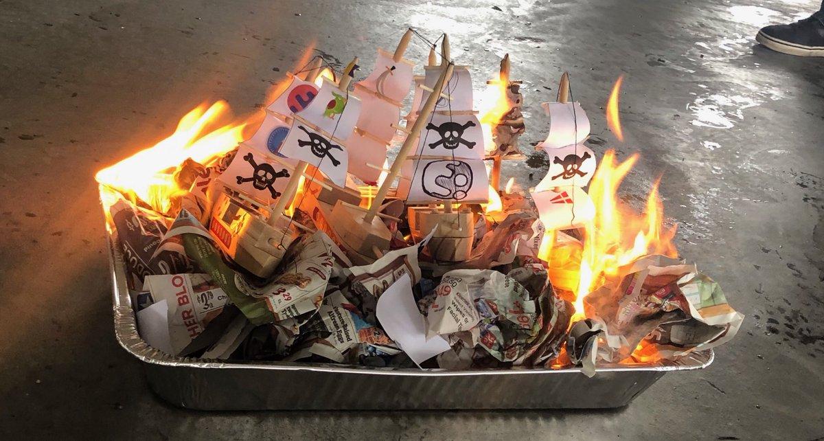 Burning the boats @cakebrowser! #gobigorgohome <br>http://pic.twitter.com/dQQlp8MA5D