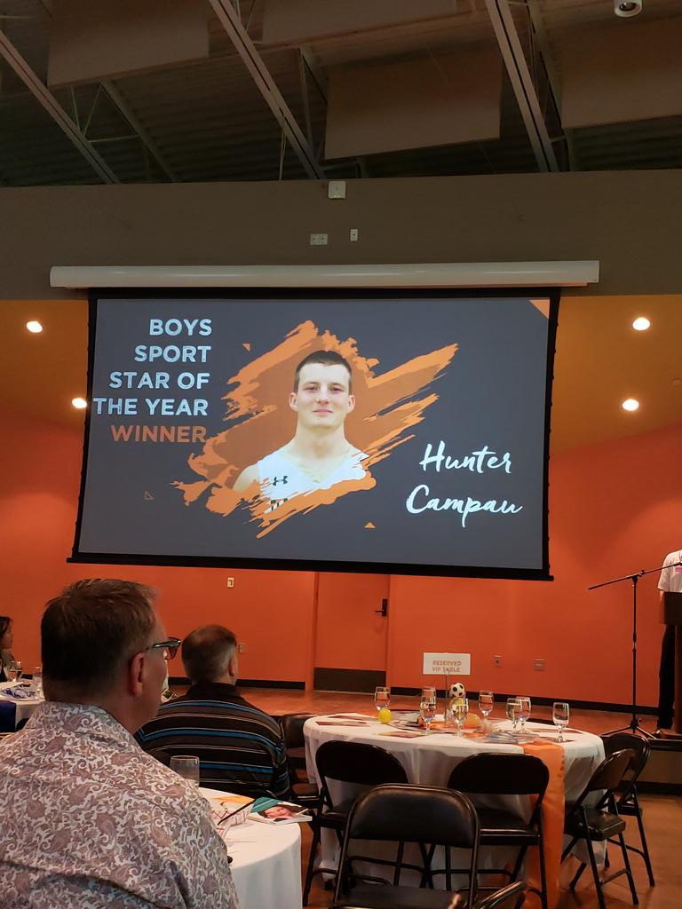Look who just won Thurston County Sports Star of the Year! <br>http://pic.twitter.com/UTXWzEk0YV