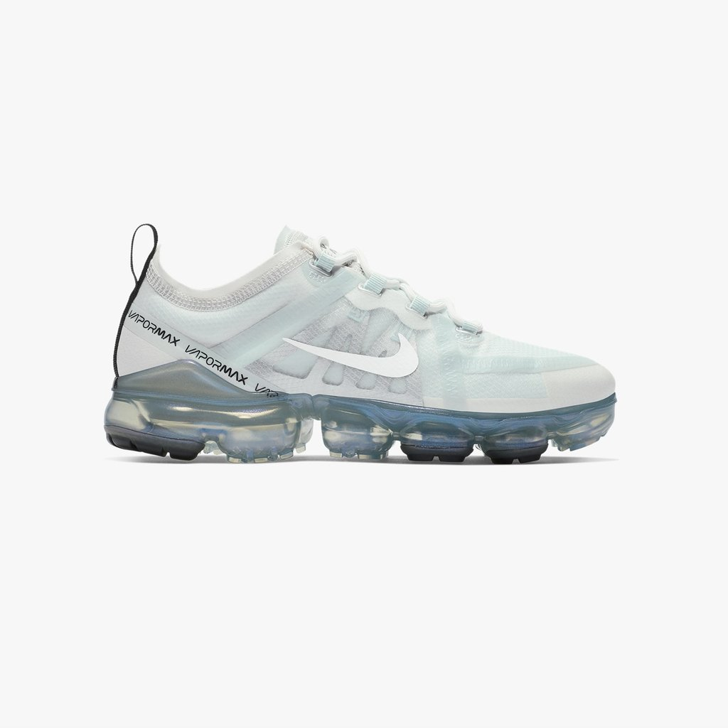 release date 49a15 8a218 The  Nike Air Vapormax 2019 has now launched online   in-store (Paris,  London, Berlin, Stockholm)  sneakersnstuff --- http   bit.ly 2HqtiVw  pic.twitter.com  ...