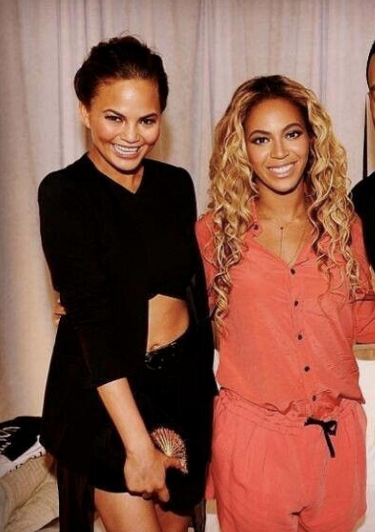Beyonce and I on our 3rd anniversary - 2009 <br>http://pic.twitter.com/6FYldsUAv9