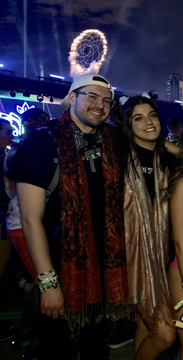 """• Met on the @awonderland discord.  • Started talking/FaceTiming/texting.  • Met In person in April &amp; saw @svddendeathdub • Went to @EDC_LasVegas together.  • Went to @awonderland set together.  And during the song """"I Want U"""" , we made it official to be together.   <br>http://pic.twitter.com/L0U9QlQo34"""