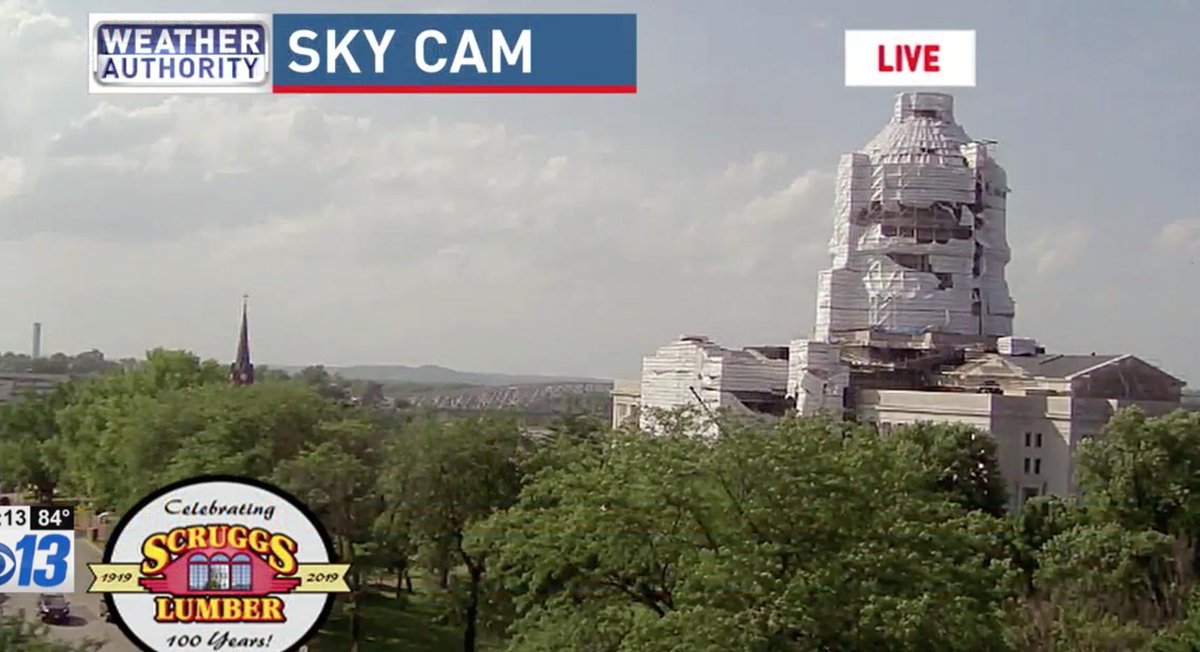 Storms are tracking towards St. Louis so I&#39;m up late. Reports of a massive tornado in #JeffersonCity, MO. There are false/misleading images that appear to show damage to the MO Capitol Building. This is not the case. Capitol is under construction. See image from earlier today. <br>http://pic.twitter.com/SwUruWIgpW