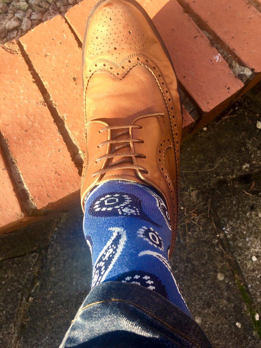A nice paisley pattern from @HappySofficial today.#socks #sockseveryday #happysocks