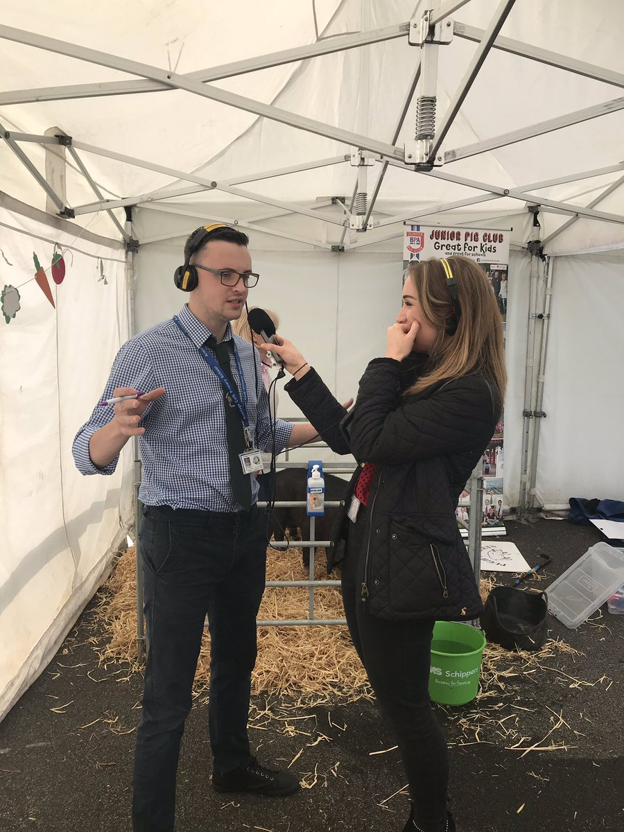 @Anna_Jameson_ interviewing @primaryfoodtech at the school farm @ArmitagePrimary for @BBCRadioManc #pigs #farming #live
