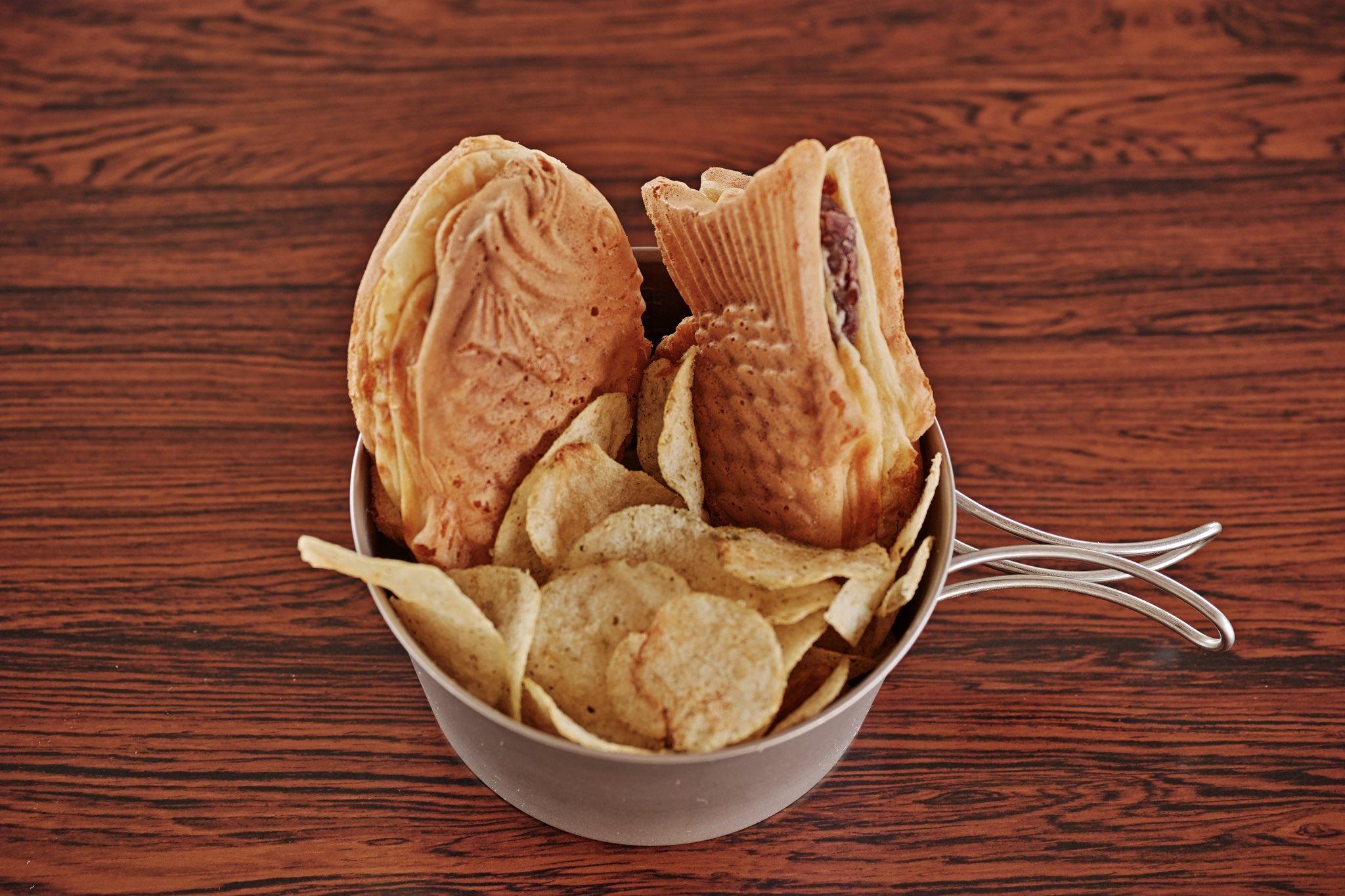 フィッシュ&チップスってどんな食べ物ですか?と若者に聞かれたのでご馳走した。 わからない事があれば私になんでも聞きなさい。