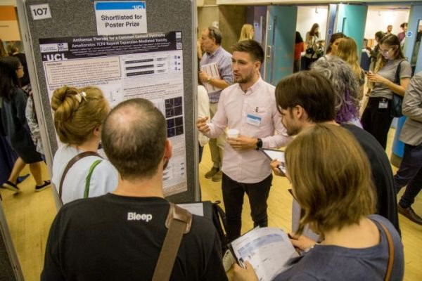 1 month to go until the 2019 UCL Neuroscience Symposium. Tickets are selling fast for the event on 21 June! It's a fantastic opportunity to find out more about the latest neuroscience research @ucl. For more info, and to register, visit: https://buff.ly/2LOB1Ru  #UCLNeuroDomain