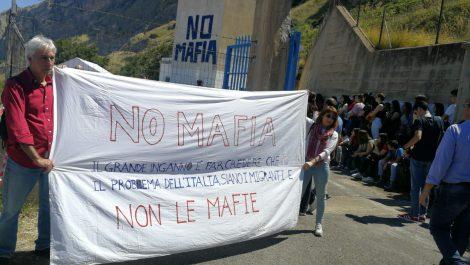 """La manifestazione di chi boicotta Salvini appuntamento alla casina """"No alla Mafia"""" - https://t.co/DiLgrlGj82 #blogsicilianotizie"""