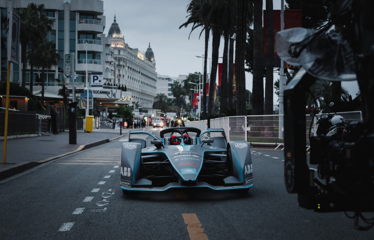 A Hollywood drive for @JeanEricVergne at #Cannes2019 this morning! #ABBFormulaE