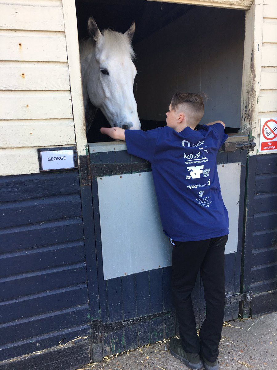 A fantastic morning at Little Brook equestrian centre meeting the horses and now onto @LingfieldPark to experience a race day and learn about careers with @careersinracing. This is the first experience for many of the Lewisham young people #TakeatheReins