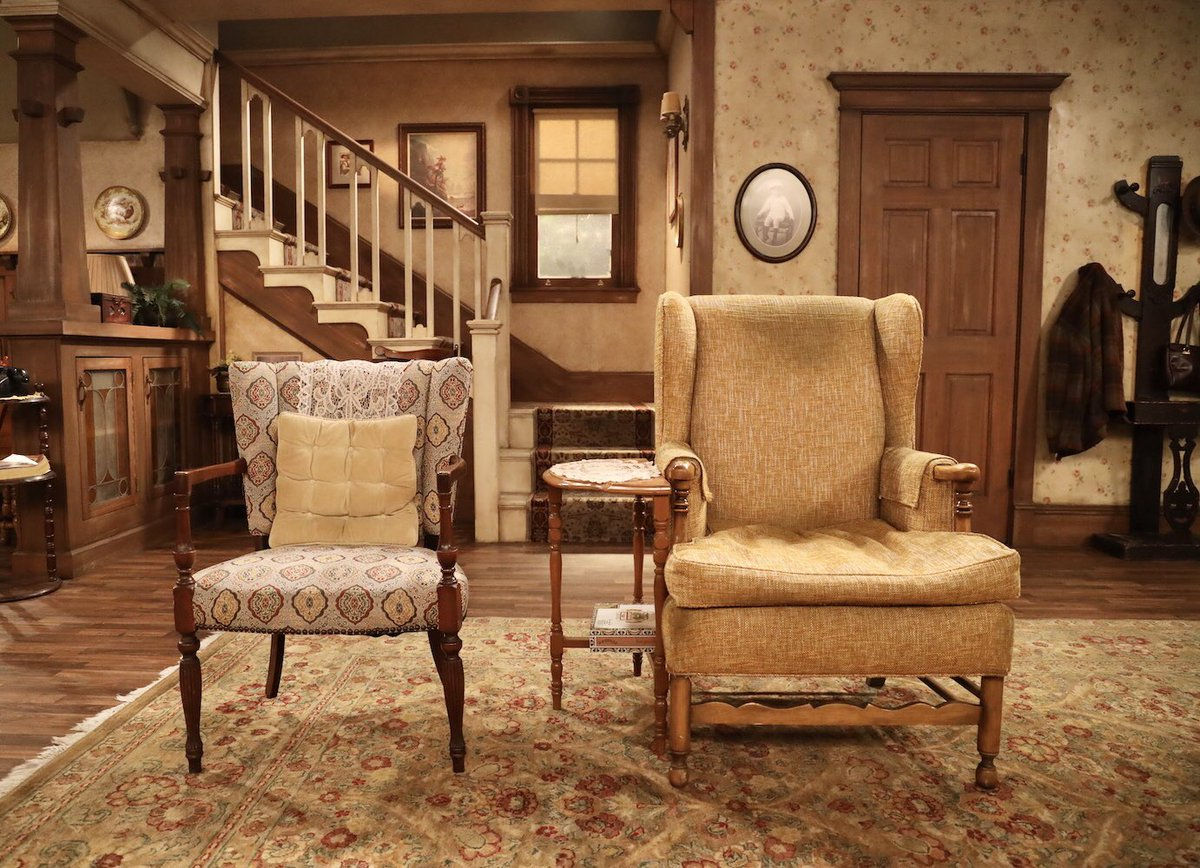 "sean hayes on twitter: ""the sets!!! ""all in the family"