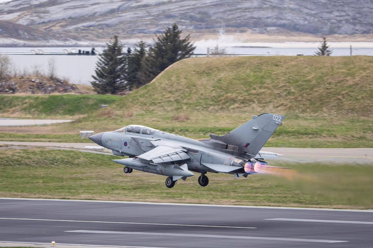 Throwback to an RAF Tornado at Arctic Challenge Exercise 2017 (ACE) in Norway.  ACE 2019 started this week in Sweden with Typhoons from @RAFLossiemouth as well as C-130J Hercules & Voyager aircraft from @RAFBrizeNorton taking part.